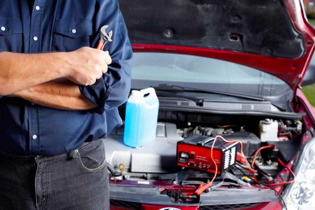 Auto Mechanic & Car Battery